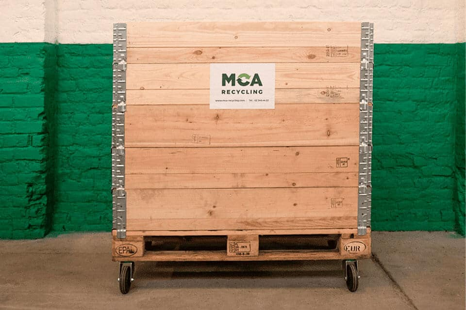 1000-litre wooden container. Use: paper/cardboard, plastics/metals/drinks cartons, unsorted waste, bulky objects,…