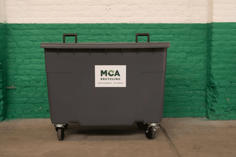 600-litre open container on castors. Use: paper/cardboard, bulky objects,…